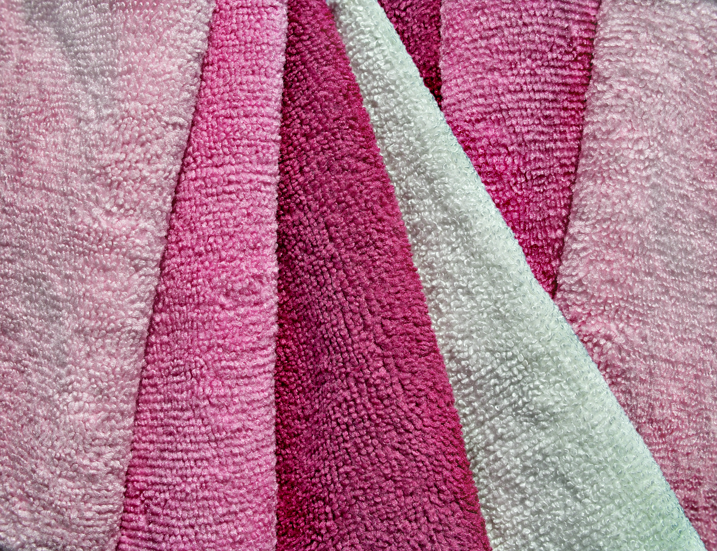 Reach To Microfiber Towels For A Thorough Detailing